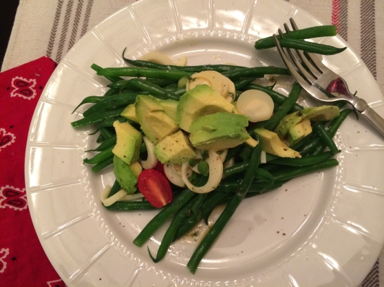 Easy, refreshing french green bean salad with hearts of palm